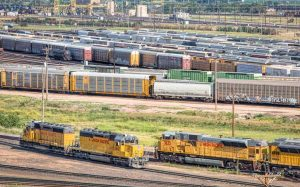 trains-in-railyard